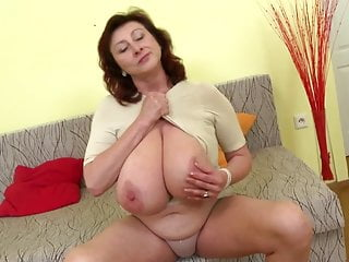 Elegant mature mother with huge tits together with flawless mature