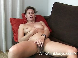 47-year old shy Milf Inge spreads say no to toes