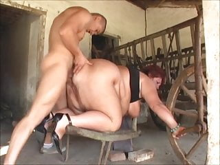 Mature SSBBW fucked here the barn