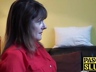Divorced mature lass Pandora enjoys having submissive sex