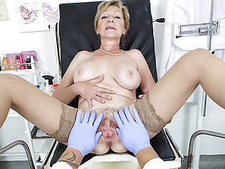 hairy 71 years old mom pov fucked by the brush debase