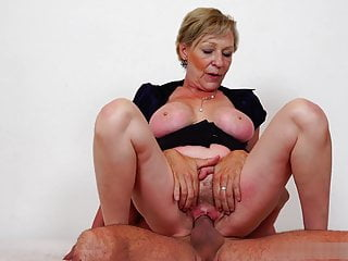Juicy added to sweet pussy of Antonia's mommy needs a big dick