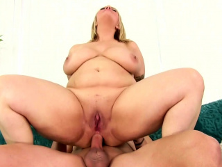 Plumper Sinful Samia Takes It near the Ass