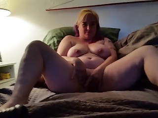 Slut wife gapes herself on mammoth toys