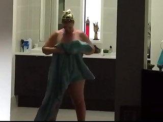 BBW Wifey takes a Shower