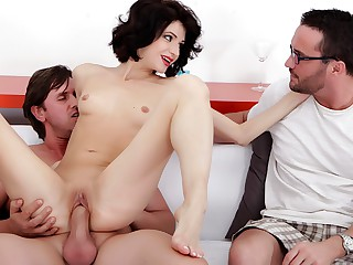Lina Arian in Slim housewife Lina Arian gets will not hear of pussy reamed - DoTheWife