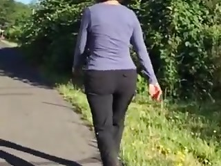 Keen-edged plump butt mature gilf