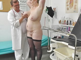 Voyeur pollute ruin films chubby mommy not susceptible her gyno exam