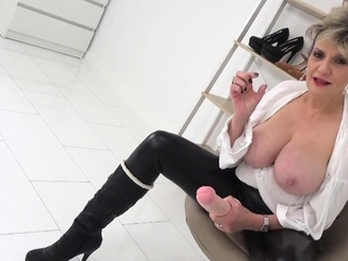 Sprog Sonia cant stop tittering at your tiny cock