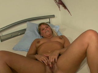 german mature mom seduced at porn casting