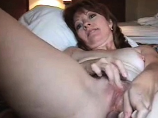 Mature Linda toys her pussy and asshole