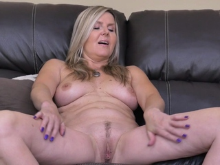 Blonde mature Velvet rubs say no to inviting pussy