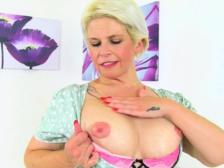 Mature housewife Skyler needs getting off badly