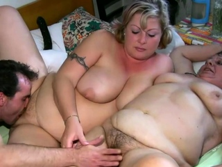 Fat granny and chick pussy tease and hot threesome