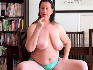 EuropeMature British Milf Seductive Solo Selffuck