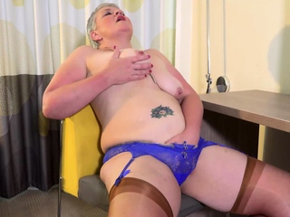 EuropeMaturE British Mature Self Fucking Candy