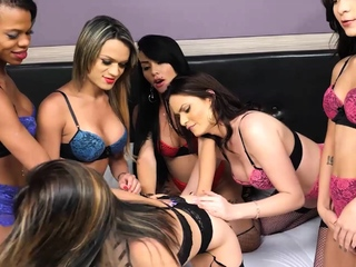 Hot babe enjoyed group be incumbent on dirty shemales