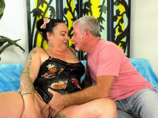 Awning BBW Calista Roxxx Loves a Big Dick