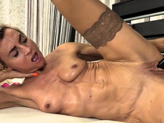 Short haired mature indulge Sanny is naked in say no to beige