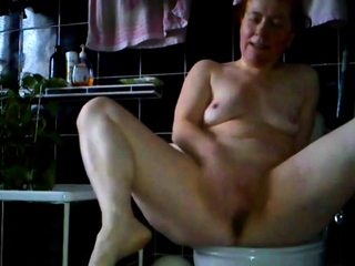 60 lifetime aged horny Tracey flees into karzy