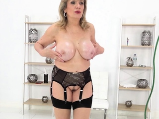 Lady Sonia wants you to spill your load on her tits