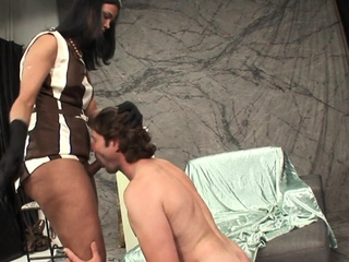 Broad in the beam booty tgirl blown by eager boyfriend